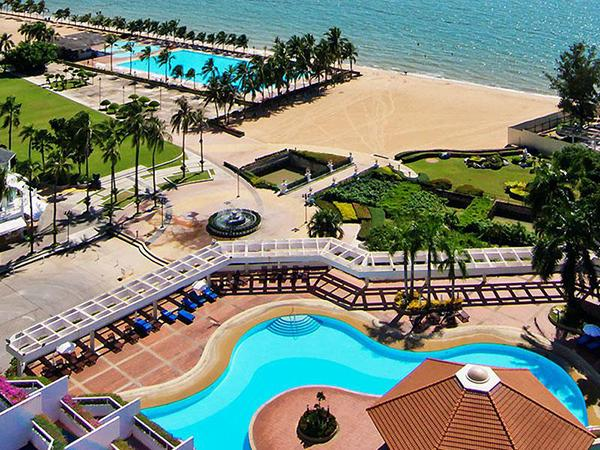 โรงแรมหาดบางเสร่